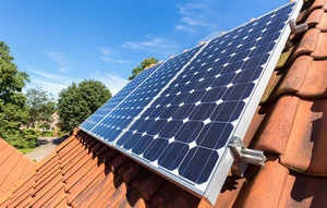 300 govt houses to get solar panels in Crest's Rs 15cr project-1