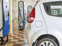 Govt approves 2,636 new charging stations in 62 cities- Javadekar