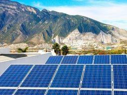 Installed capacity versus gross power generation in India