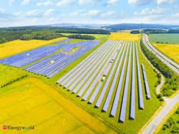 Macquarie Group closes 90 mln euro debt investment in Spanish solar portfolio