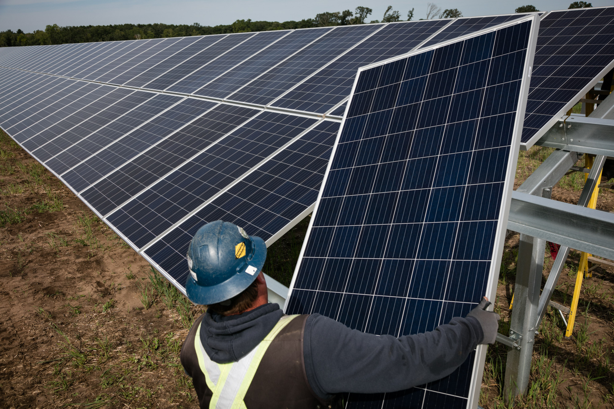 U.S. Solar Jobs Are Rebounding From Donald Trump's Tariff Blow