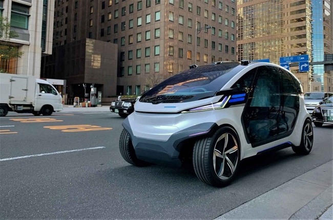 Driverless electric vehicle to be powered with solar rooftop