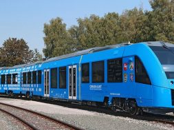 ENGIE successfully refuels the world's first renewable hydrogen passenger train in test in the Netherlands