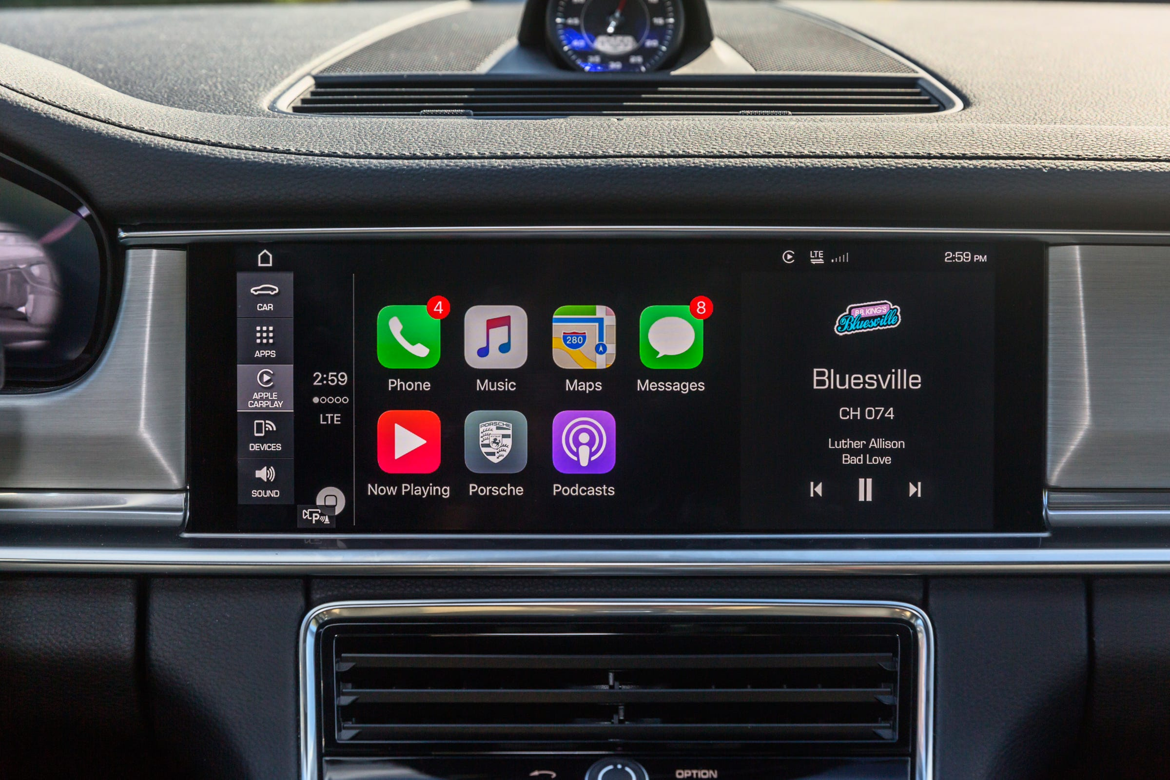 How 5G & IoT technologies are driving the connected smart vehicle industry