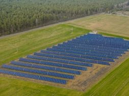 Lithuania welcomes world's first online consumer platform for purchasing remote solar panels