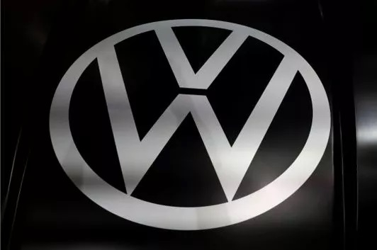 Volkswagen Plans to Use Electric Car Batteries to Compete with Power Firms