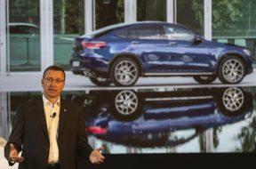 Daimler- Shift to electric cars non-negotiable despite virus