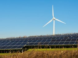France approves 1.7 GW of wind and solar power projects