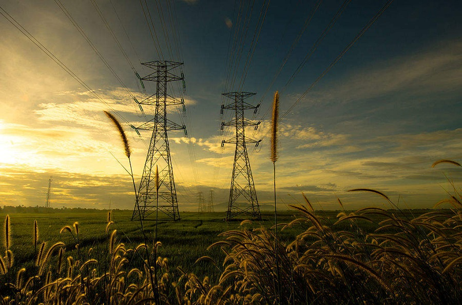 Centre mulls more steps to keep cash-strapped power discoms afloat