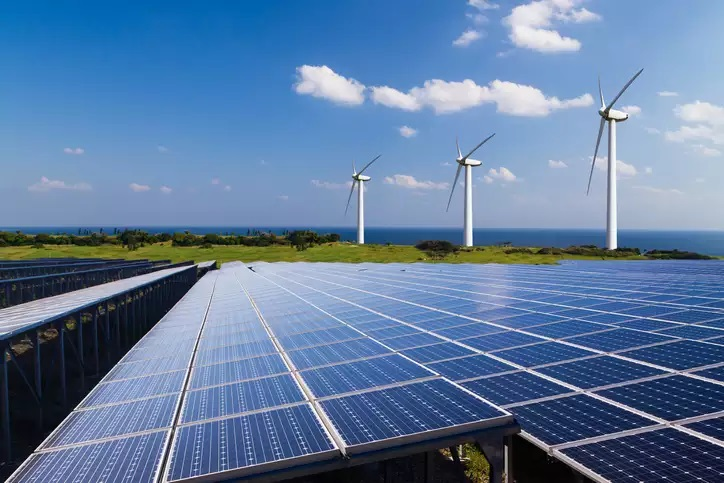India adds 1,043 MW of wind and solar utility scale capacity in Jan-Mar: Report