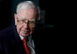 UPDATE 2-Buffett's Berkshire posts nearly $50 bln loss as coronavirus causes pain