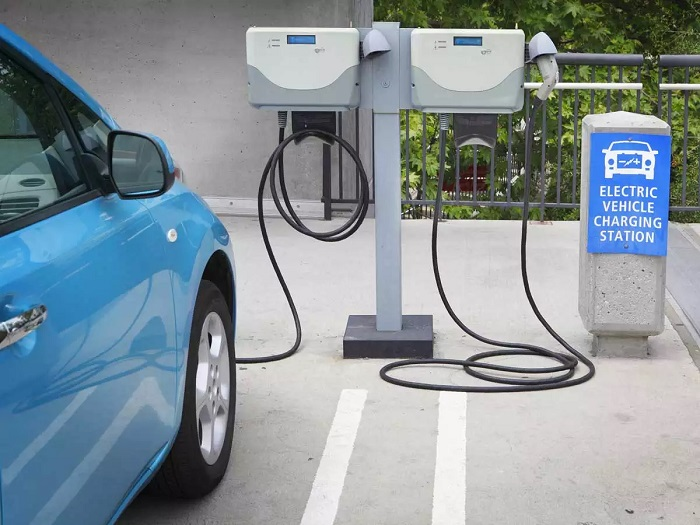 IOC launches battery swapping facility for quick recharge of EVs