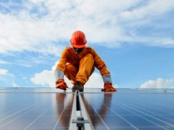 Egypt Benha and Suntech to build solar power plants (18MWp) in NAC