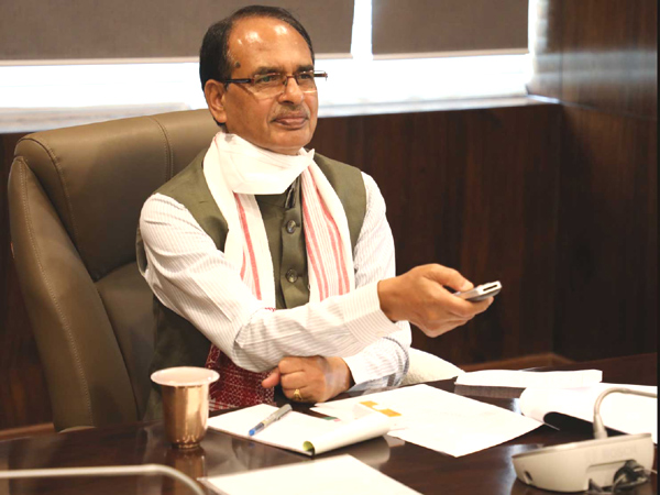 Madhya Pradesh Govt to install two lakh solar pumps for farmers in next three years