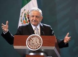 Mexican president orders fraud complaints against green power firms