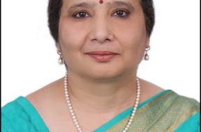 Smt. Parminder Chopra takes charge as Director (Finance), PFC