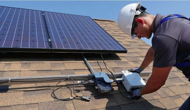 SolarEdge, Enphase Hit by Sharp Slowdown in Solar Installations During Pandemic's Depths