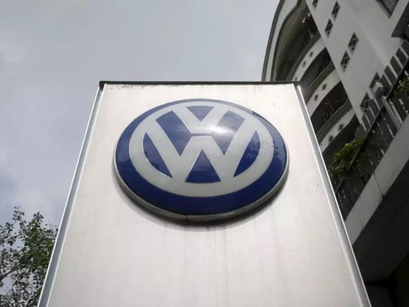 Volkswagen to make electric car cells, battery packs in U.S.
