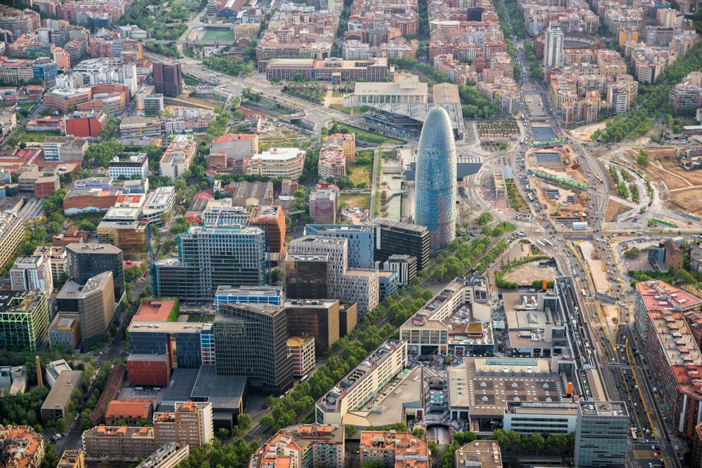 Spain: EIB to provide €95 million to finance 40 climate action projects in Barcelona