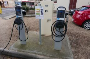 Commissioners Authorize Construction of Electric Vehicle Charging Station in Leonardtown