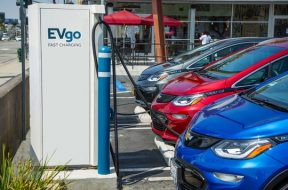 GM, EVgo to install 2,700 electric-vehicle charging stations