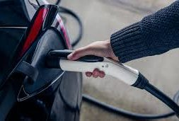 Xcel accelerating electric vehicle programs, proposing up to $150M in Minnesota auto rebates