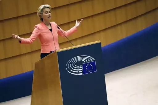 EU exec wants tougher 2030 climate target, billions in green bonds
