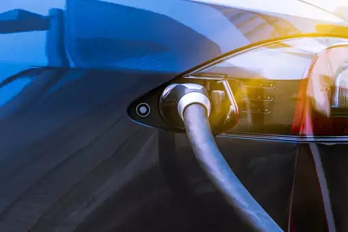 Govt working to reduce electric vehicle tax: Niti Aayog CEO