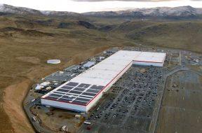 Panasonic to expand battery capacity at Tesla Gigafactory