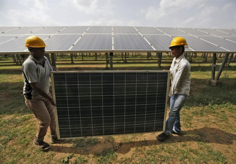 Proposed Rules for Power Consumers Could Hurt Solar Rooftop Sector