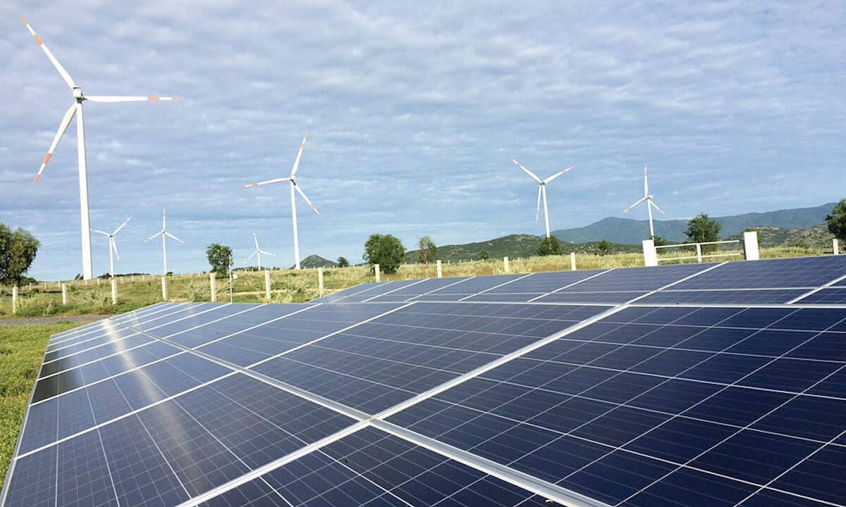 REFILE-South Africa to purchase 6,800 MW of solar, wind power, says energy minister