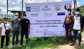 Bloomberry, Pagcor donate solar powered lights to aetas