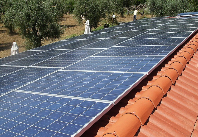 Government Incentivising Rooftop Solar Systems Connected to Grid