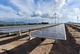Vietnam toasts to 450-MW solar farm, transmission system