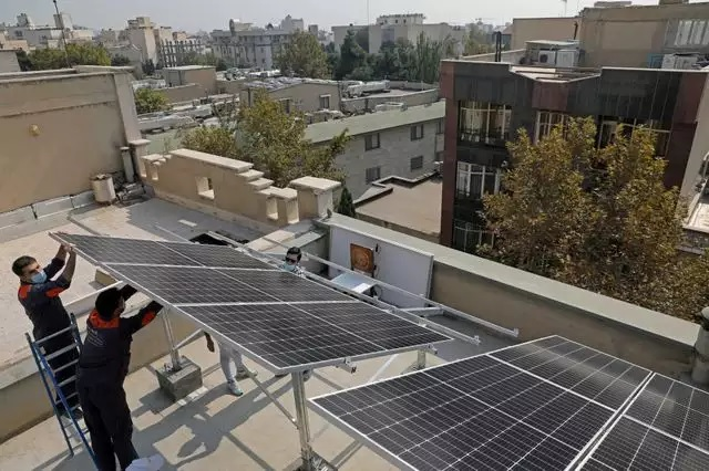 BSES discoms launch projects to promote rooftop solar plants in Safdarjung, Karkardooma