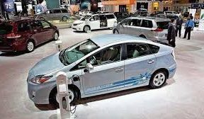 EV makers oppose GST cut on hybrid vehicles