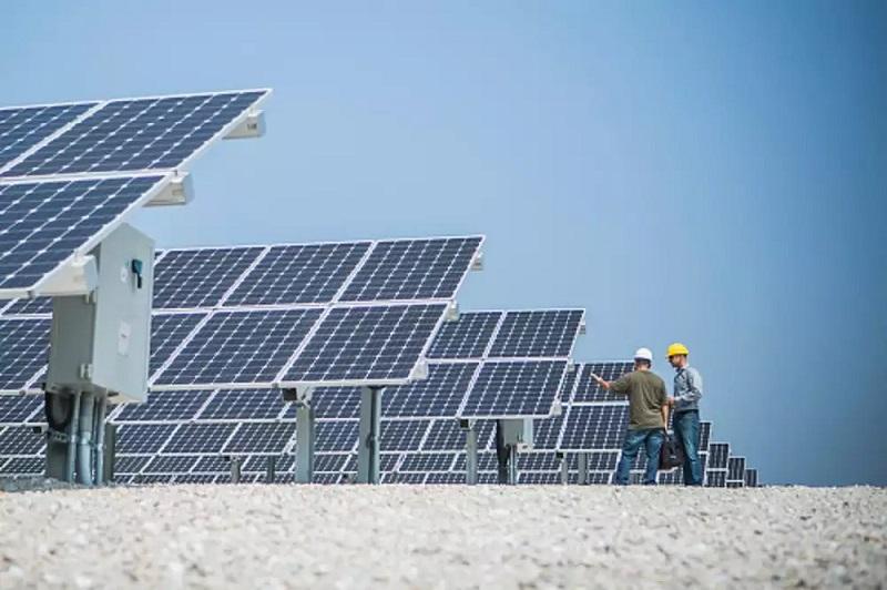 Ladakh MP inaugurates 12 Solar Roof Top 5 Kw Power Plants