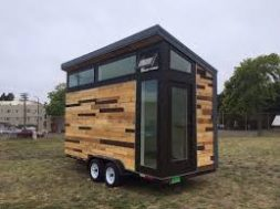 Students build Hydrogen Tiny House