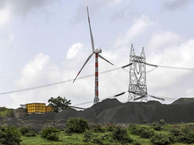 India's aim of doubling renewable power by 2022 gets foreign backers' boost