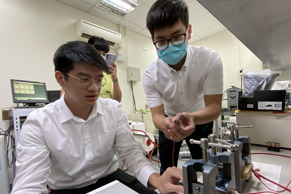 Researchers at NCKU Built a Rechargeable Solid-State Zinc-Carbon Battery That Is Eco-Friendly and Suitable for EVs