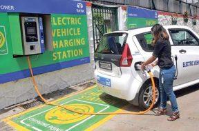 202101010201230952_Coimbatore-gets-first-superfast-public-EV-charging-station_SECVPF