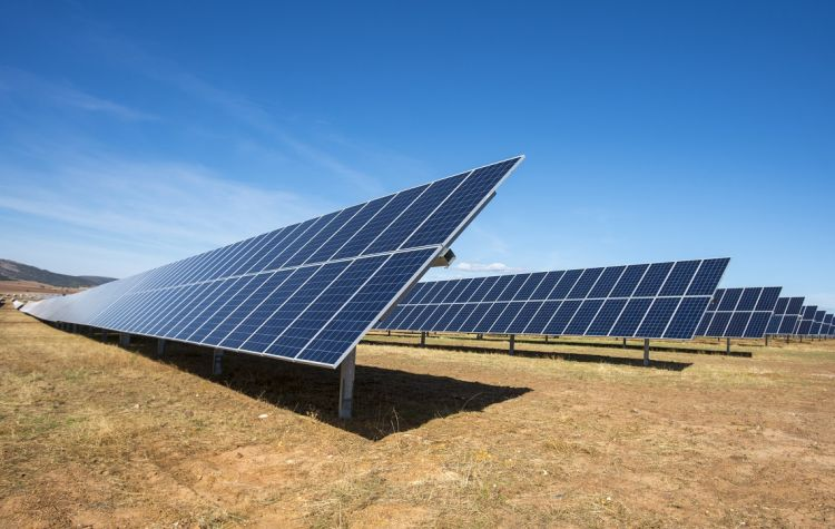 300MW tidal flat solar project takes shape in China