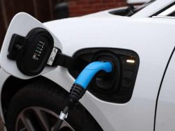 Ovo to launch 'half-price' electric vehicle charging tariff