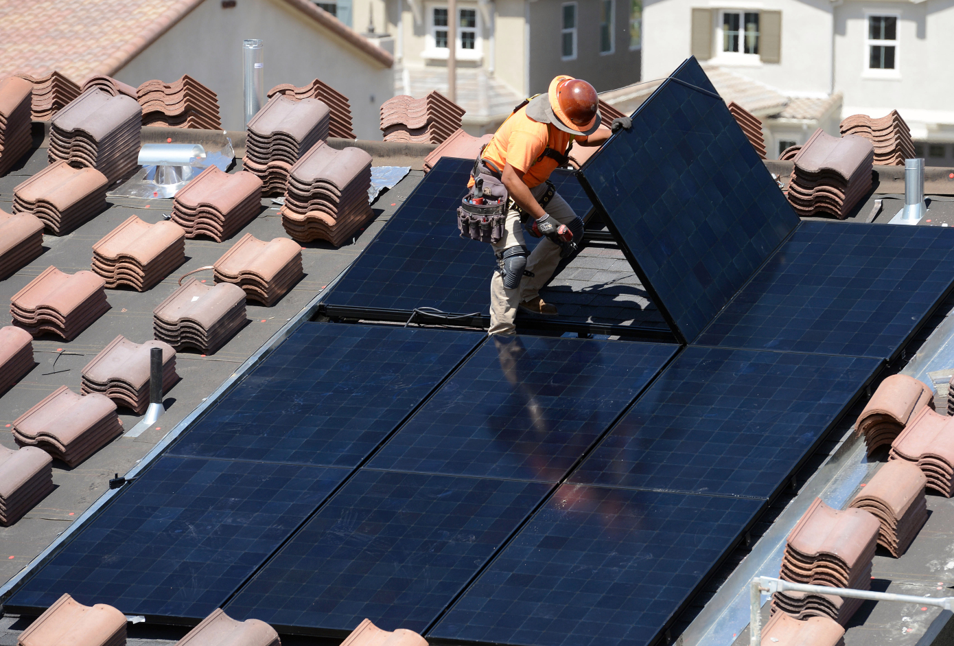 Solar lending company Loanpal raises $800 million