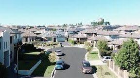 Tesla Powerwalls selected for first 100% solar and battery neighborhood in Australia