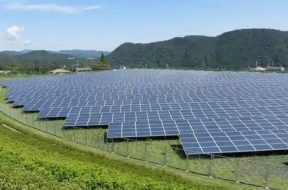 Total speeds up renewables push with $2.5 bln investment in Indian solar power