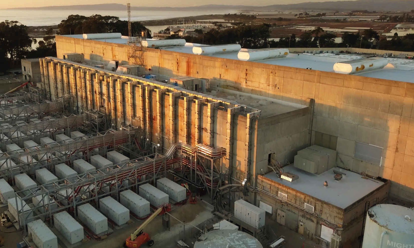 World's Largest Utility-Scale Battery Energy Storage System now Online