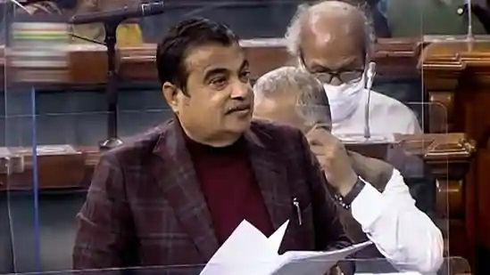 Gadkari urges MSMEs to avail concessional finance and install rooftop solar