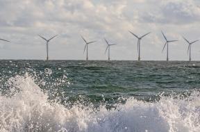 7977_bigstock_Wind_And_Wave_Energy_Breaking_350068762