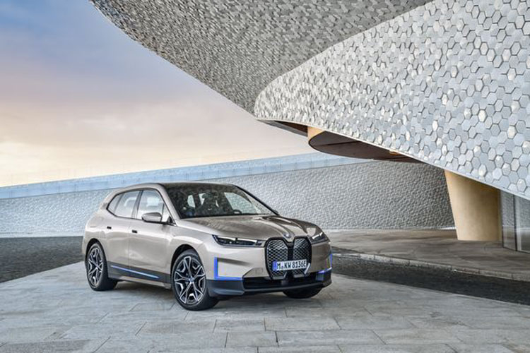 BMW is the first in the world to use aluminum produced with solar energy